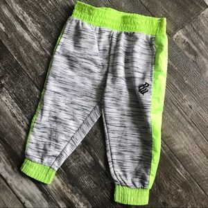 Rocawear   Toddler boy sweatpants 18 months